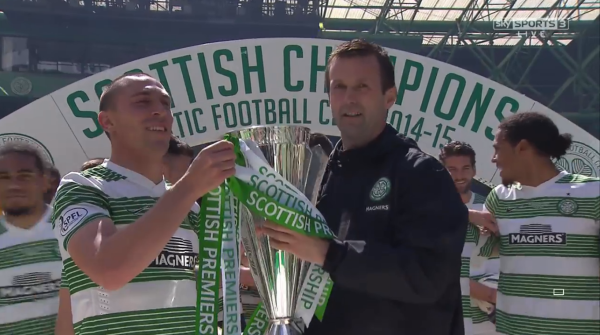 Ronny Deila and Scott Brown with Premiership trophy (24th May 2015)