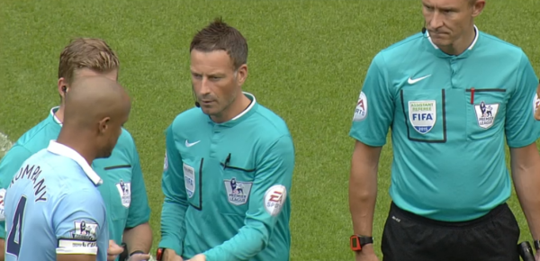 Mark Clattenburg coin toss with Vincent Kompany (29th August 2015)