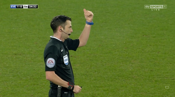 Michael Oliver signals (Everton v Spurs - 3rd Jan 2016)